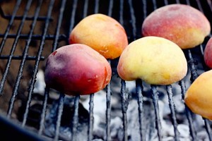 grilled-peaches-600x399